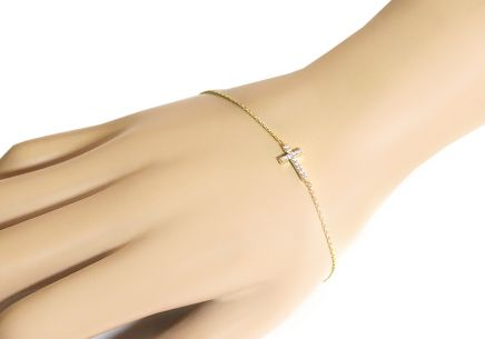 3b0d86474 Zlatý náramok s krížikom a zirkónmi Zlatý náramok s krížikom a zirkónmi