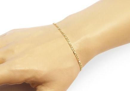 8ce6e7981 ... Zlatý náramok Figaro s platničkami 2,5 mm
