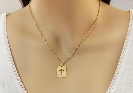 Zlatá platnička vyrezávaný krížik s matovanou líniou Zlatá platnička  vyrezávaný krížik s matovanou líniou d14bae4b4b8