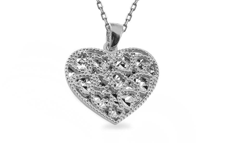 Prívesok z bieleho zlata srdce s gravírom 962d4ebf9fa