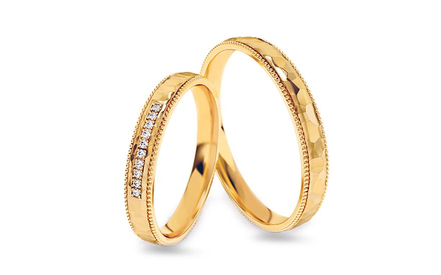 53516ca9f Tepané zlaté svadobné obrúčky s kamienkami, šírka 3 až 5 mm - STOB321V
