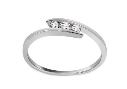 Zásnubný prsteň s 0,110 ct diamantmi Triple of love white
