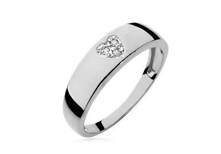 bfddf9a78 ... Zlatý diamantový zásnubný prsteň so srdiečkom Lauriane white